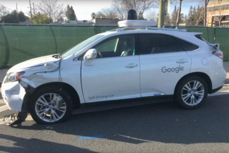 Google无人驾驶汽车事故视频流出:巴士司机惊呆了-唯轮网