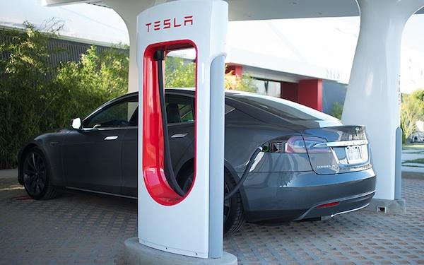 充电站数量超过加油站,电动汽车的又一历史里程碑?-Wheelive唯轮网