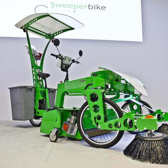 还在等苹果发布会?不如看看这款由电动自行车改装的扫地机-唯轮网