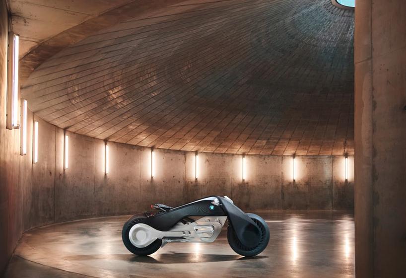 【酷】宝马BMW出一款自平衡的电动摩托车-唯轮网