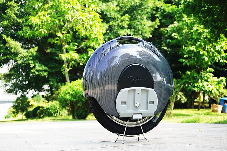 【Wheelive测评】飞轮威尔新海豚系列 D5-S 电动独轮车-唯轮网