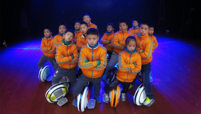 贵州凯里爱轮俱乐部,5岁MM的独轮车达人秀!