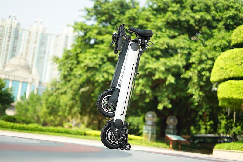 【Wheelive测评】能像瑞士军刀一样折叠的电动车COSWHEEL-唯轮网