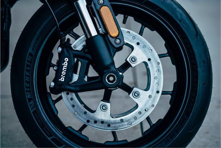 百公里加速仅需3.5秒!哈雷轻型电摩上市-唯轮网
