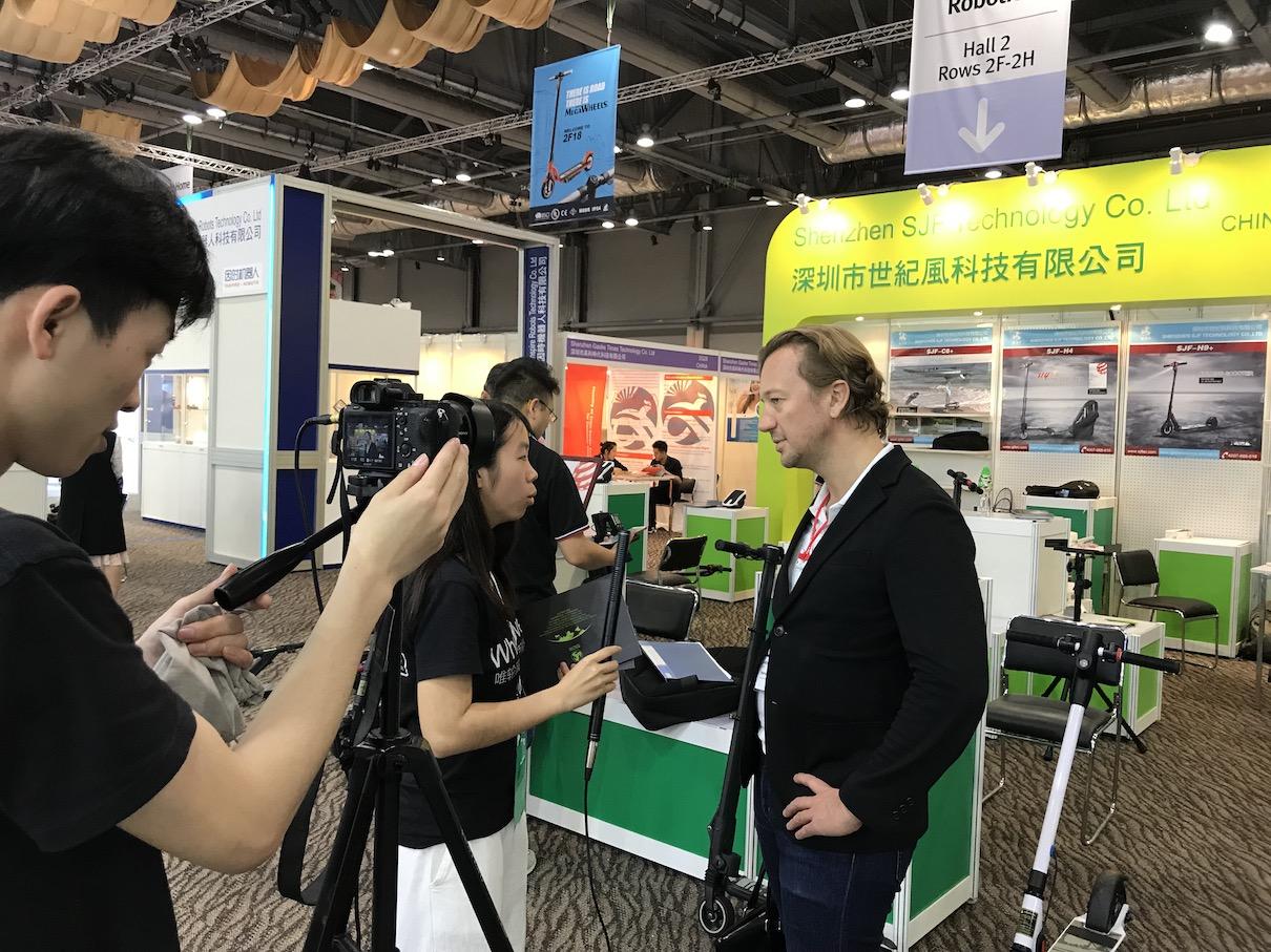 【采访】环球资源买家:政府越来越重视电动代步产品-唯轮网