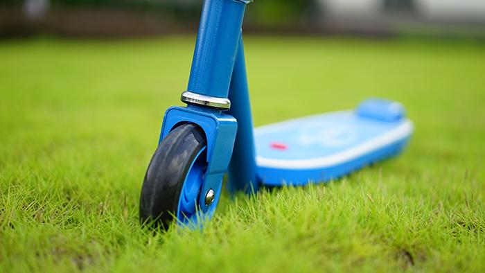 兴动儿童助力滑板车,带给孩子安全畅快的骑行体验-唯轮网