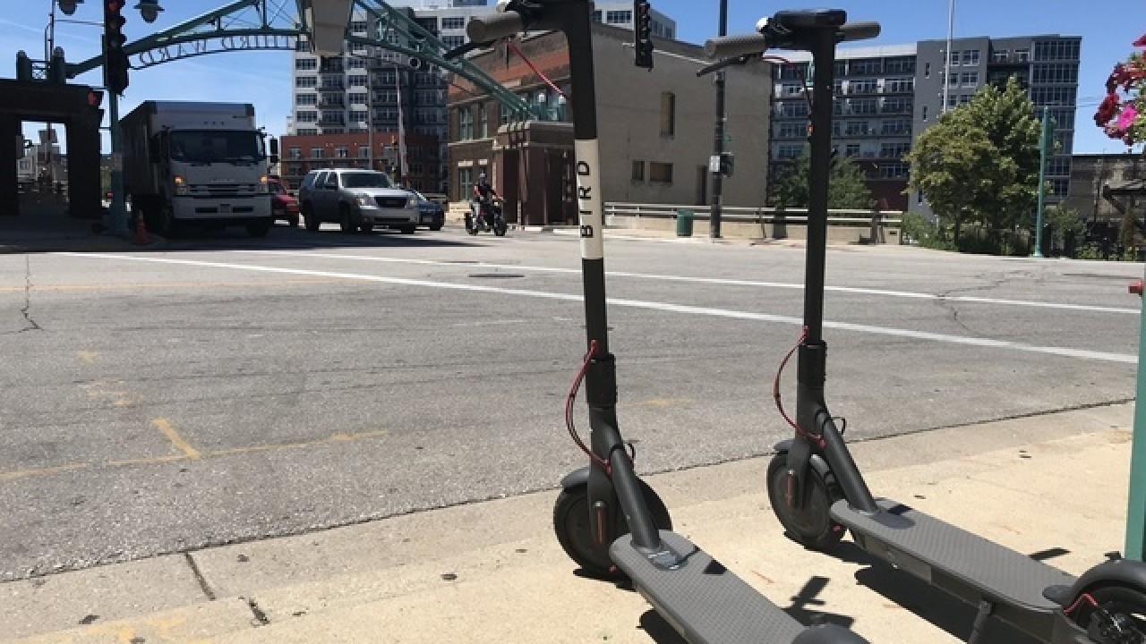国外行业资讯 | 亚特兰大禁止电动滑板车夜间运行;特斯拉Model3占美国电动汽车销售量的67%-唯轮网