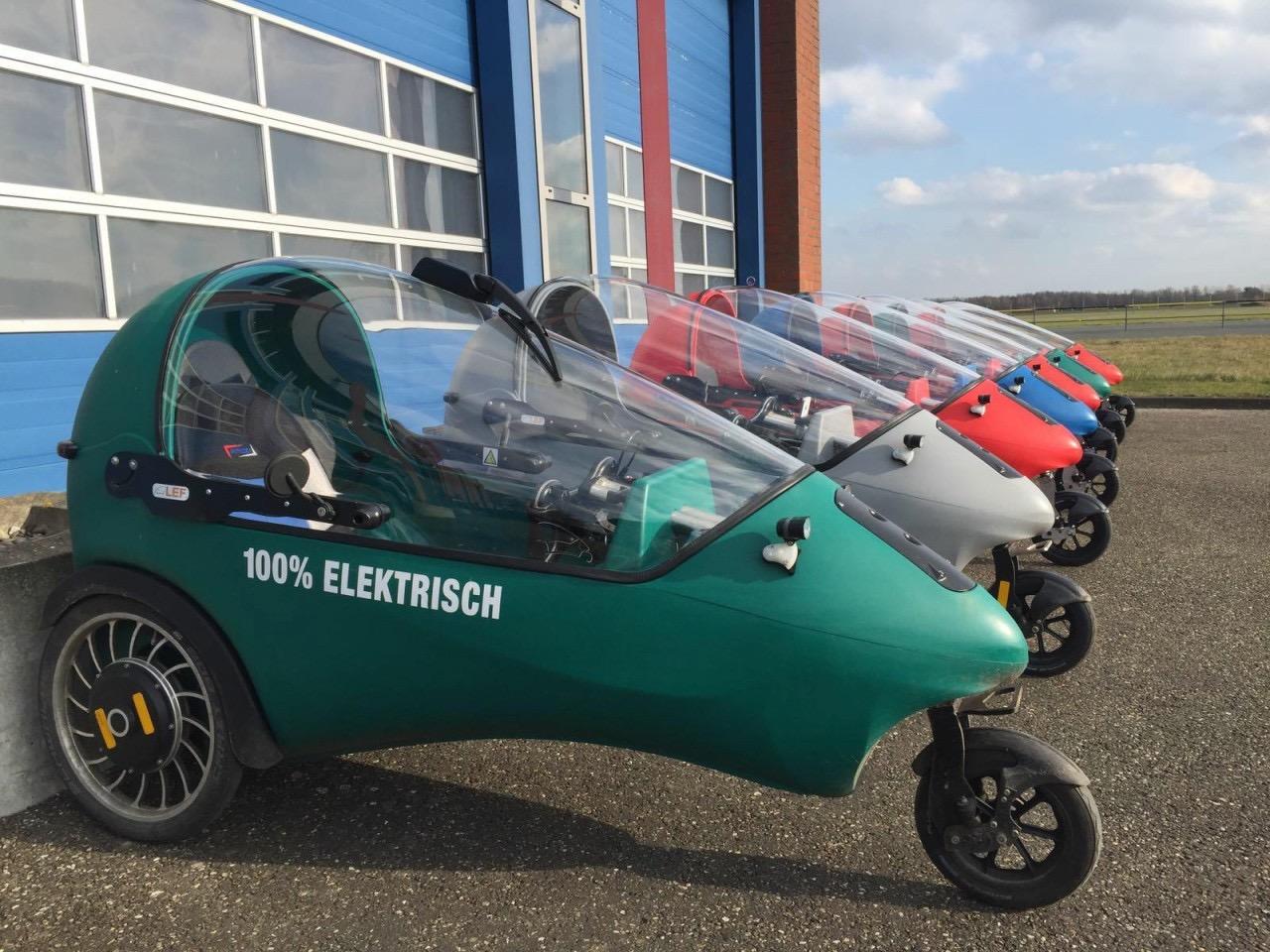 仓式迷你电动车,介于电动自行车和汽车之间的新物种-唯轮网