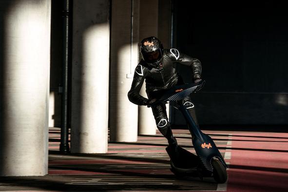 时速达100km!滑板车锦标赛ESC比赛专用车出炉-唯轮网